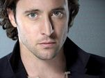 Alex O'Loughlin: Hello